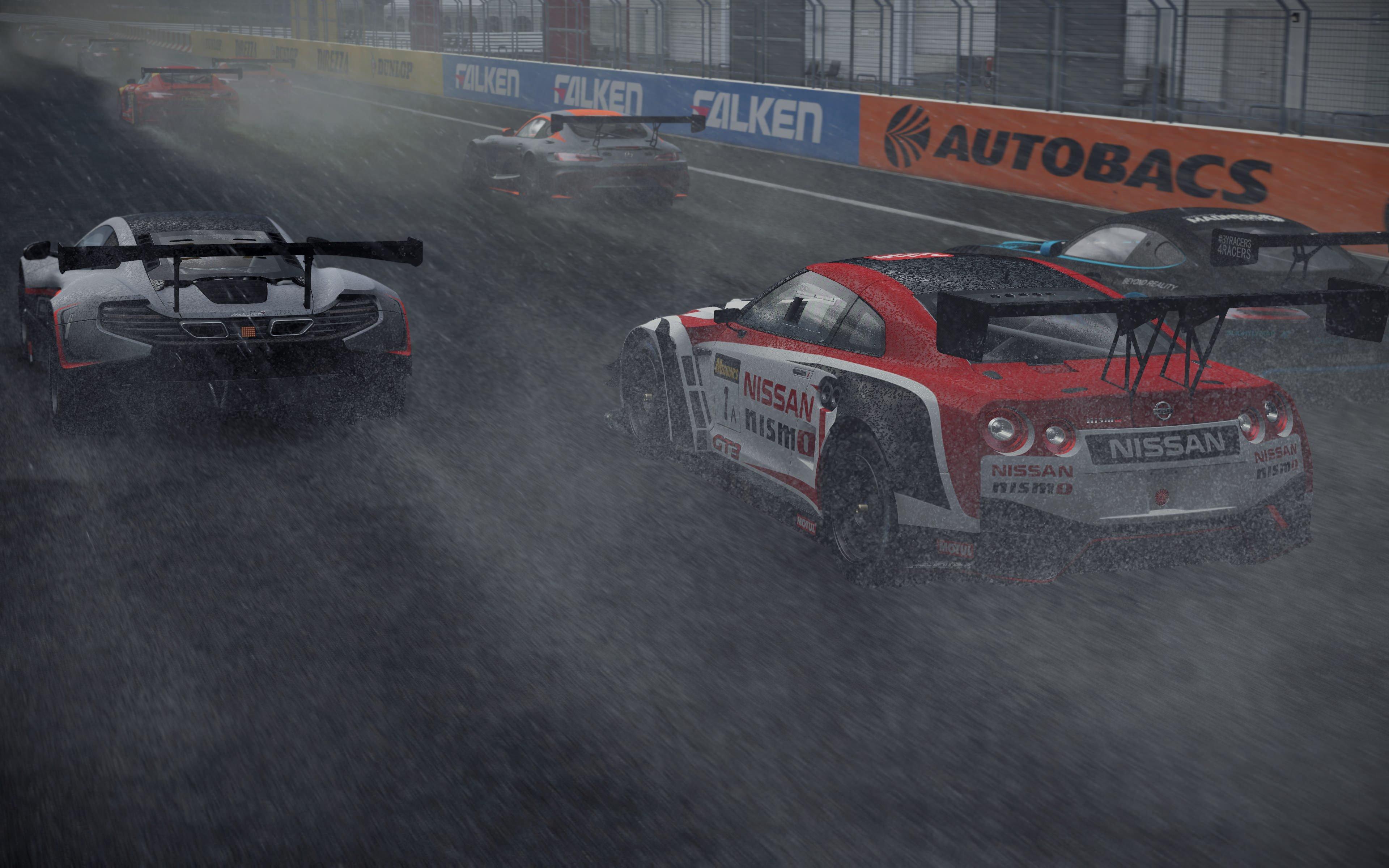 Screenshot: Autorennen bei stürmischem Regen