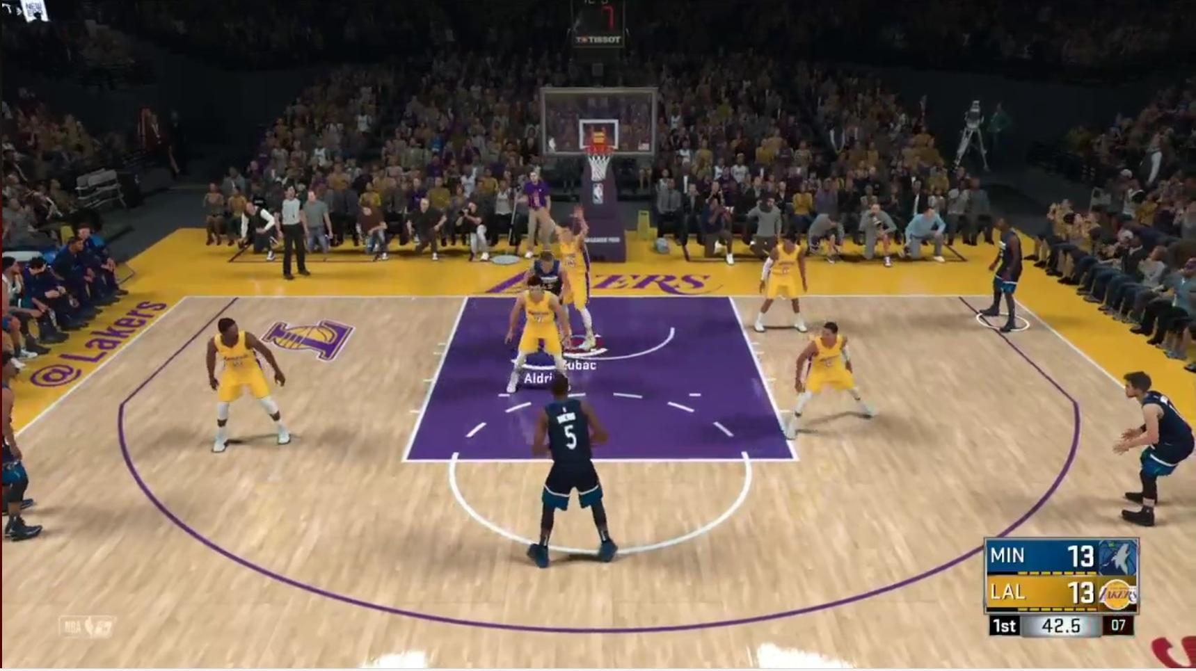 Screenshot: Ein Basketballspiel ist in vollem Gange