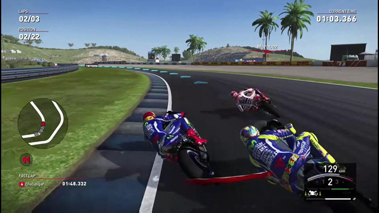 3 Fahrer liegen nach rechts tief in der Kurve.