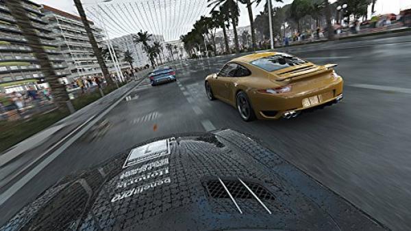 Screenshot: Ein Porsche auf Aufholungsjagd