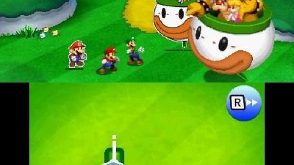 Screenshot: Mario, Luigi und Paper Mario treffen auf Bowser und Paper Bowser.