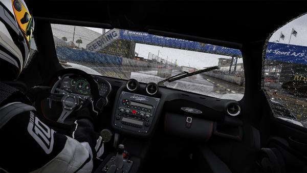 Screenshot: Cockpitsicht bei Regen