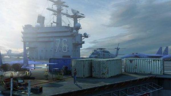 Container auf einem Flugplatz.