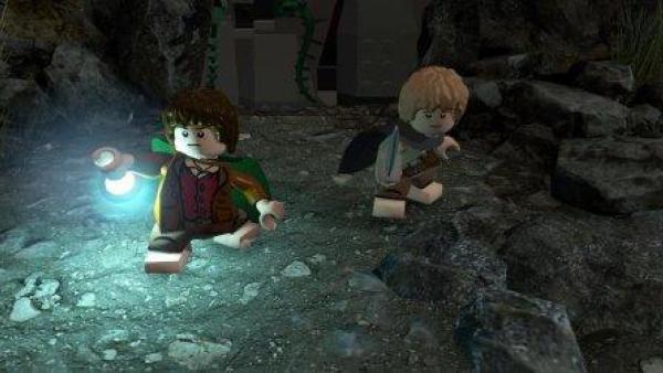 Frodo und Sam in einer Höhle.