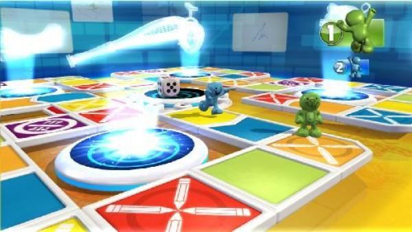 Spielfiguren laufen über ein Spielfeld.