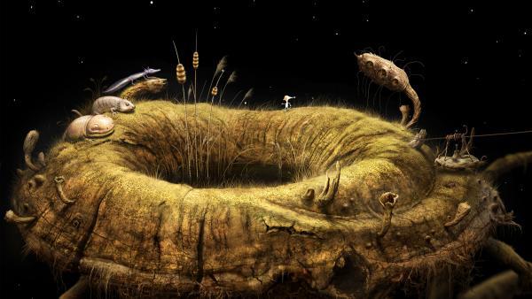 Screenshot: Die Hauptfigur läuft am Rand eines runden Tümpels mit steiler Böschung. Die Umgebung selbst schein ein riesiger Trichterpilz zu sein, wobei der Tümpel im Trichter ist. Am linken Rand des Tümpels stehen drei salamanderartige Wesen