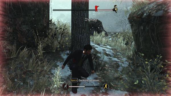 Screenshot: Sherlock sucht hinter einem Baum Schutz vor einem Jäger