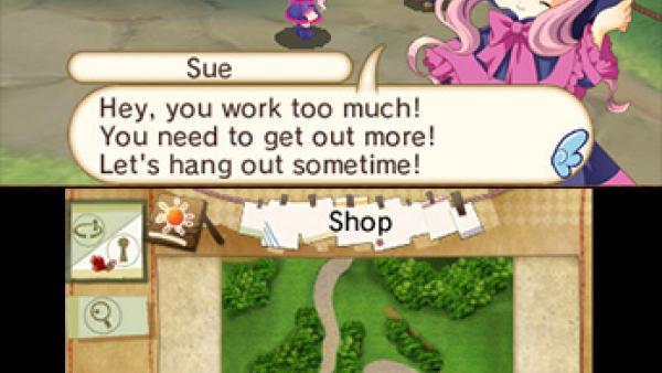 Screen oben: ein rosa-haariges Mädchen mit einem violetten Hexenhut und rosa-violettem Kleid mit Schleife sagt, dass man zu viel arbeitet und mit ihr mehr Zeit verbringen sollte, im Vordergrund das Manga-Mädchen in Großformat, im Hintergrund die Szene; Screen unten: die Landkarte