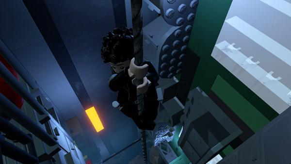 Screenshot: ein Mann seilt sich an einem Aufzugseil ab