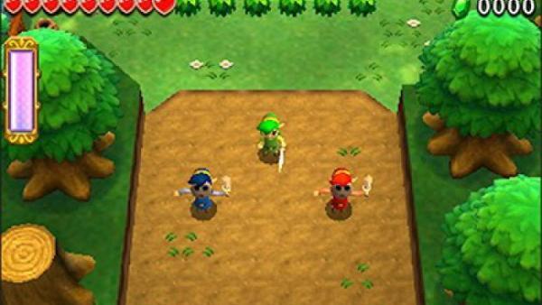 Screenshot: die drei Elfenkinder gehen in einen Wald