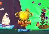 Ein zweigeteilter Bildschirm auf dem rechts der Gewinner und links der Verlierer zu sehen ist.