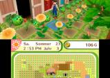 screenshot: Ein junger Mann erntet Blumen und Gemüse im Garten.