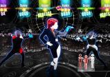 Screenshot: drei Personen mit extravagantem Outfit tanzen.