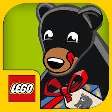Cover: Ein Bär schleckt sich die Schnauze ab und hält ein Geschenk in den Pfoten.
