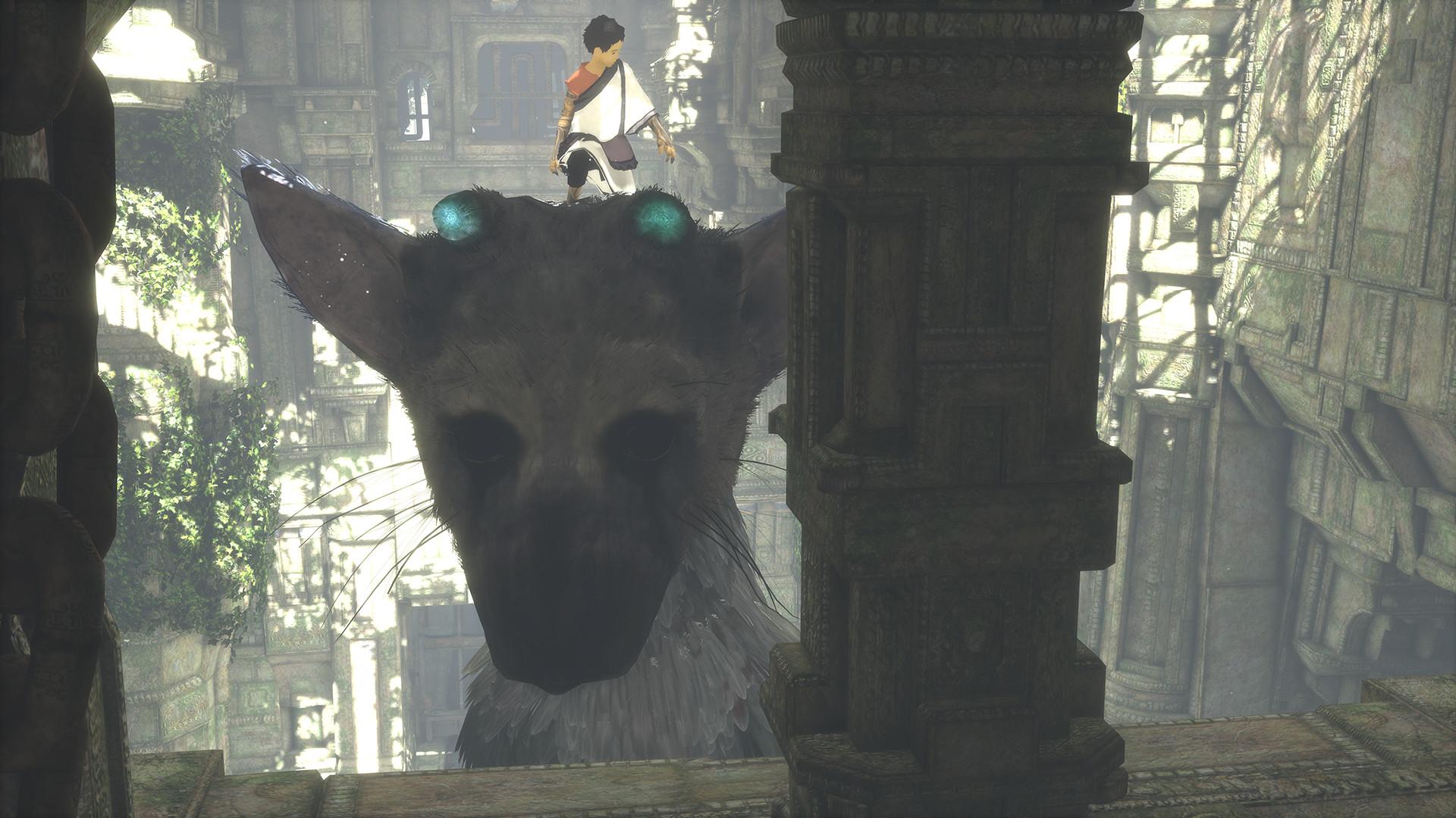 Screenshot: Ein Bub steht auf dem Kopf einer riesigen Kreatur.